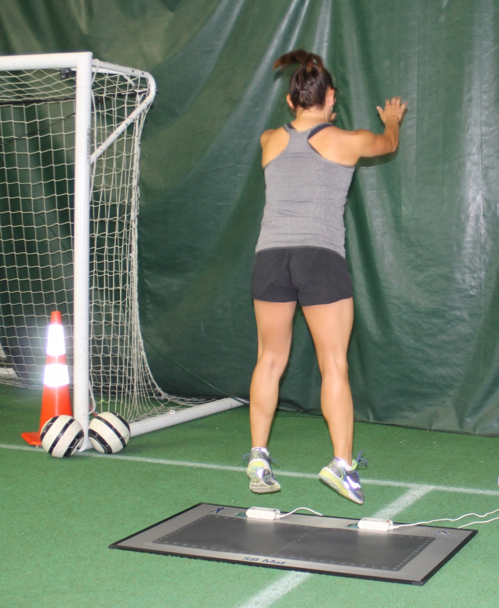 The large surface area of the SB Mat is ideal for dynamic asymmetry testing, like jumping.
